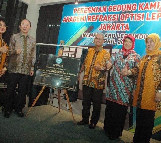 Kampus Aro Leprindo Cetak Lulusan Refraksionis Optisien Terbaik di Indonesia